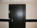 16-porte-entree-de-logement-numerotation-logement-et-protection-mural-hauteur-de-main-courante